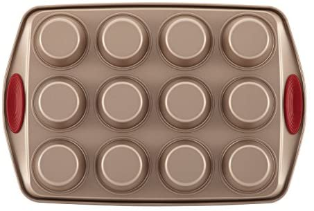 41blGR+kfML. AC  - Rachael Ray 52410 Cucina Nonstick Bakeware Set with Baking Pans, Baking Sheets, Cookie Sheets, Cake Pan, Muffin Pan and Bread Pan - 10 Piece, Latte Brown with Cranberry Red Grip