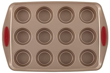 41nYA3paOtL. AC  - Rachael Ray 52410 Cucina Nonstick Bakeware Set with Baking Pans, Baking Sheets, Cookie Sheets, Cake Pan, Muffin Pan and Bread Pan - 10 Piece, Latte Brown with Cranberry Red Grip