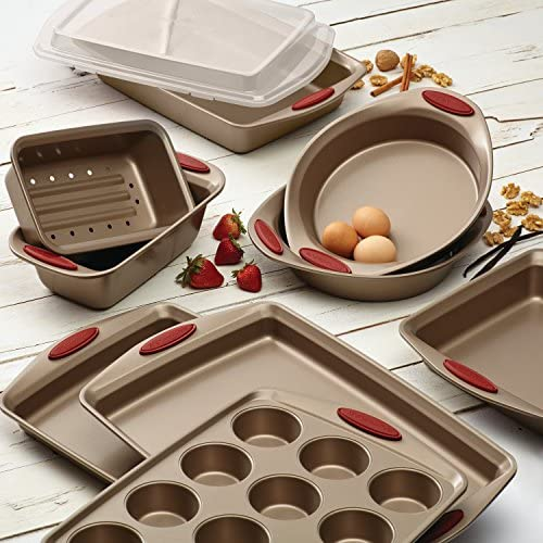 51z0bUTDD1L. AC  - Rachael Ray 52410 Cucina Nonstick Bakeware Set with Baking Pans, Baking Sheets, Cookie Sheets, Cake Pan, Muffin Pan and Bread Pan - 10 Piece, Latte Brown with Cranberry Red Grip